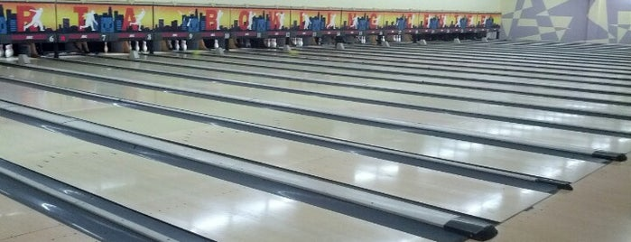 Jakarta Bowling Center is one of Enjoy Jakarta 2012 #4sqCities.