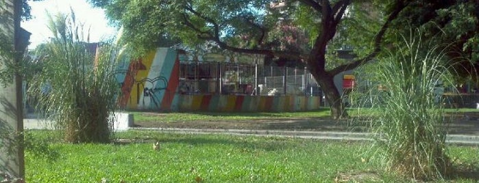 Plaza Unidad Latinoamericana is one of Orte, die Pato gefallen.