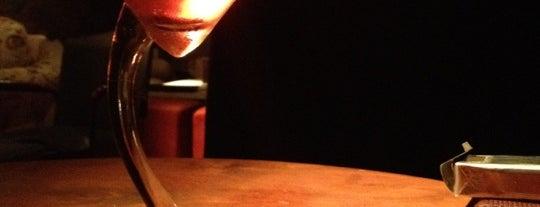 Bell Café & Bar is one of Hai.
