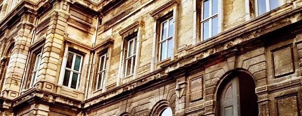 İTÜ Yabancı Diller Yüksekokulu is one of Fakülteler ve Yüksekokullar.