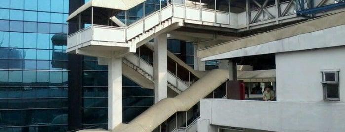 MRT3 - Magallanes Station is one of สถานที่ที่บันทึกไว้ของ Jio.