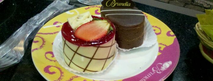 Brunella Confeitaria is one of Orte, die Silvio gefallen.