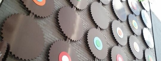 Sprinkles Cupcakes is one of 101 places to see in Chicago before you die.