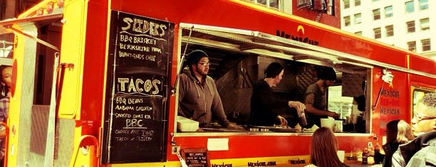 Mexicue Taco Truck is one of Tempat yang Disukai David.