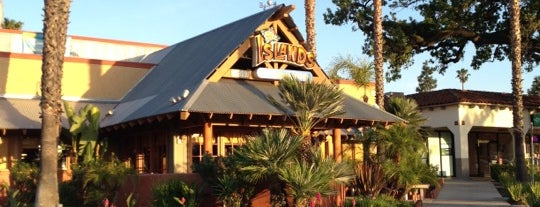 Islands Restaurant is one of Lugares favoritos de Melissa.