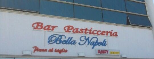 Bella Napoli is one of Lieux qui ont plu à Francesco.