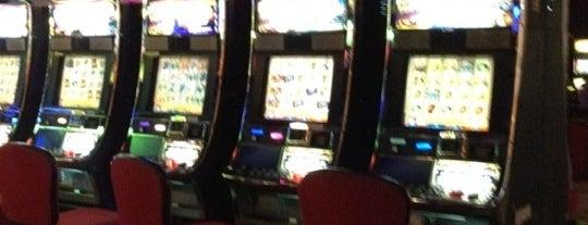 Golden Island Casino is one of สถานที่ที่ ElJohNyCe ถูกใจ.