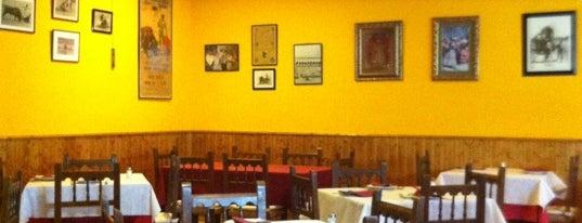 Restaurante & Pizzería Trieste is one of Lieux qui ont plu à Javier.