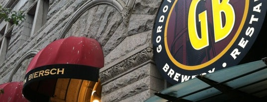 Gordon Biersch Brewery Restaurant is one of Lugares favoritos de Wallace.