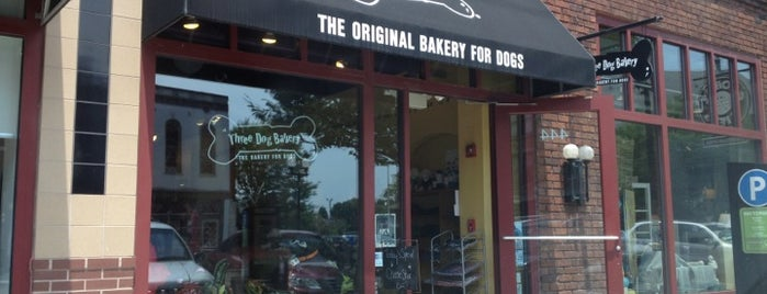 Three Dog Bakery is one of Tempat yang Disukai David.