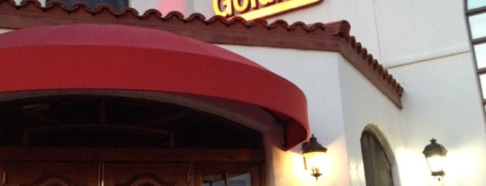 Goldie's Neighborhood Sports Cafe is one of Bars Phx.