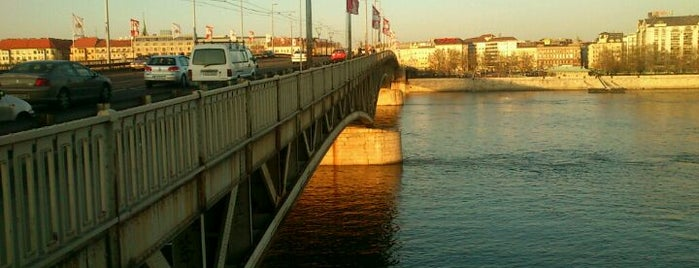Petőfi híd is one of Budai hegység/Pilis.