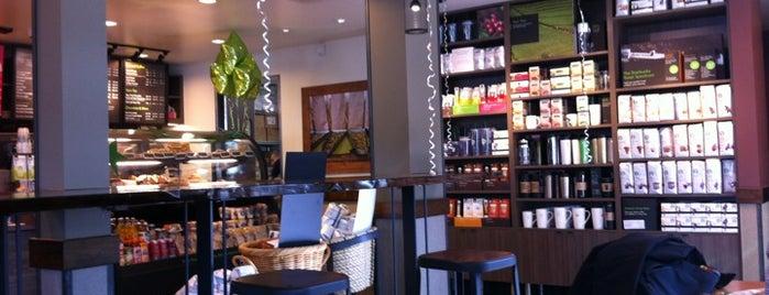 Starbucks is one of Lugares favoritos de Tolga.