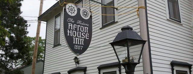 Afton House Inn is one of Lugares favoritos de Kristen.