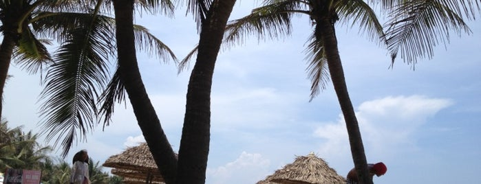 Bãi Biển Cửa Đại (Cua Dai Beach) is one of Southeast Asia Travel.