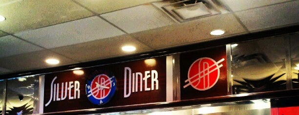 Silver Diner is one of Lugares favoritos de Tim.