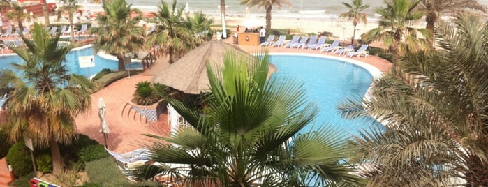 Mövenpick Hotel & Resort Al Bida'a is one of Noufさんのお気に入りスポット.