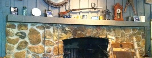 Cracker Barrel Old Country Store is one of Posti che sono piaciuti a Scott.