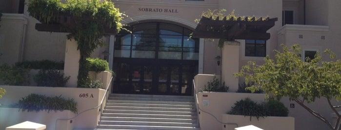 Santa Clara University - Sobrato is one of Orte, die Omar gefallen.