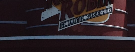 Red Robin Gourmet Burgers and Brews is one of Locais curtidos por Brian.