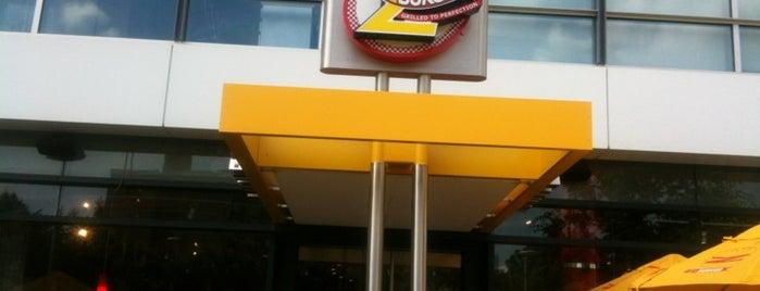 Z-Burger is one of Tempat yang Disukai Juanita.