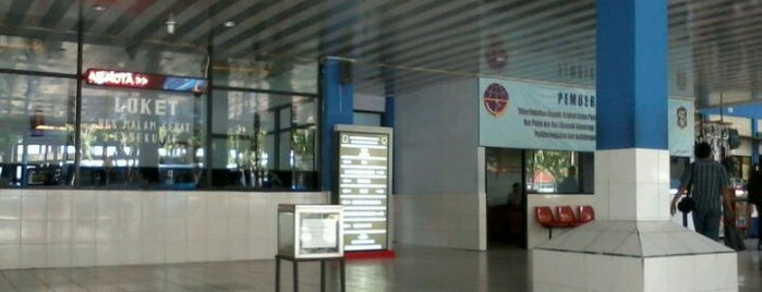 Terminal Tambak Osowilangon is one of Characteristic of Surabaya.
