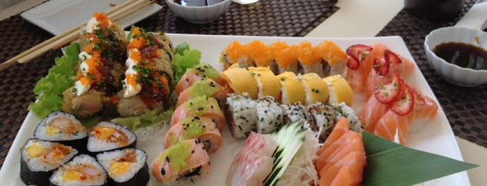 Sushihana Sushi Bar is one of Locais salvos de Ana.