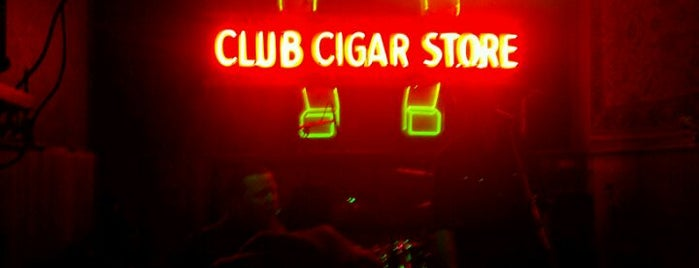 Luckey's Club Cigar Store & Bar is one of Oregon's Music Venues.