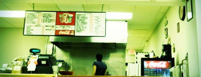 Calvin's Hamburger Haven is one of Locais curtidos por Meghan.