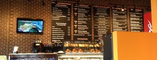 Brown Bag Deli & Cafe is one of Locais curtidos por Susan.