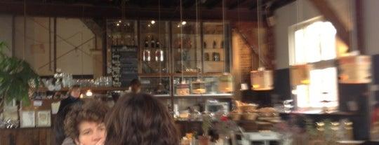 De Bakkerswinkel is one of Best Tea Spots in Amsterdam.