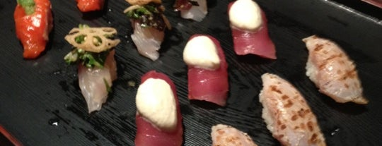 Sushi of Gari 46 is one of Orte, die Marcello Pereira gefallen.
