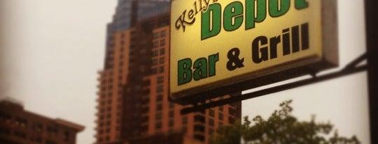 Kelly's Depot Bar is one of Locais curtidos por Marybeth.