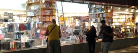 Livraria Martins Fontes is one of Locais curtidos por Tadeu.