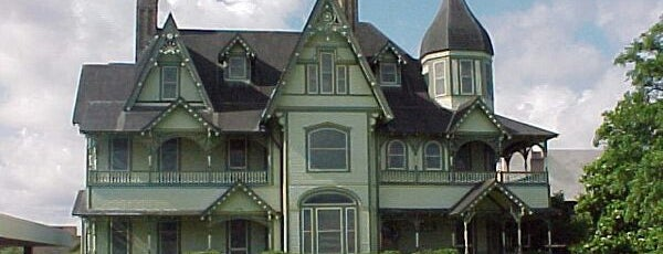 The W.H. Stark House is one of The Daytripper's Orange.