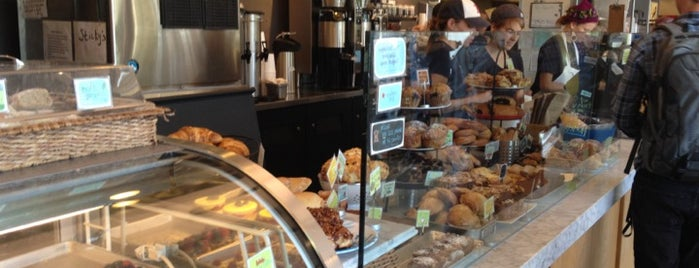 Flour Bakery + Cafe is one of Lugares favoritos de icelle.