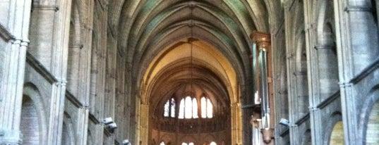 Basilique Saint-Remi de Reims is one of Reims.