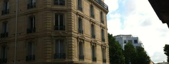 Hôtel Belmont is one of Maynard 님이 좋아한 장소.