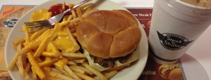 Steak 'n Shake is one of Gespeicherte Orte von Maiddi.