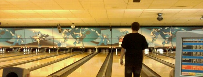 Stonehedge Lanes is one of Pinball Destinations.