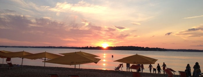 Sunset Beach is one of Shelter Island.