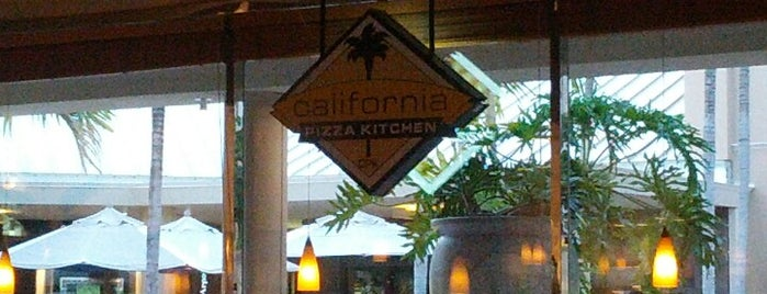 California Pizza Kitchen is one of 💫Coco 님이 좋아한 장소.