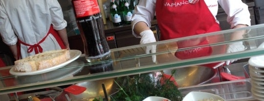 Vapiano is one of Tomek 님이 좋아한 장소.