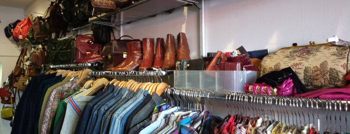 Absolute Vintage Boutique is one of Londra.