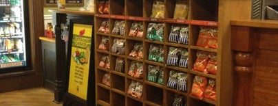Potbelly Sandwich Shop is one of la Cucina..