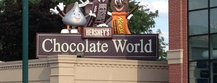Hershey's Chocolate World is one of Nicholasさんのお気に入りスポット.