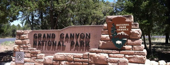 Grand Canyon National Park is one of Locais salvos de Mike.