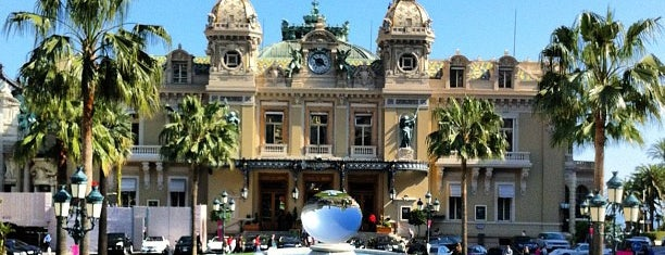 Place du Casino is one of Lugares favoritos de Julia.