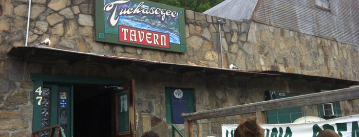 Tuckasegee Tavern is one of Tempat yang Disimpan Brad.