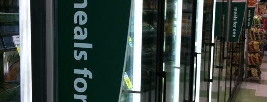 Save-On-Foods is one of สถานที่ที่ Gabriel ถูกใจ.